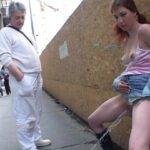 過激野外露出ビデオ!通行人に見られながら女の立ちション放尿サンプル24
