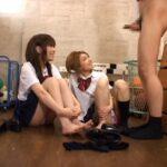 靴下ニオイフェチ!女子校生の足と靴下にセンズリ射精ブッカケサンプル83
