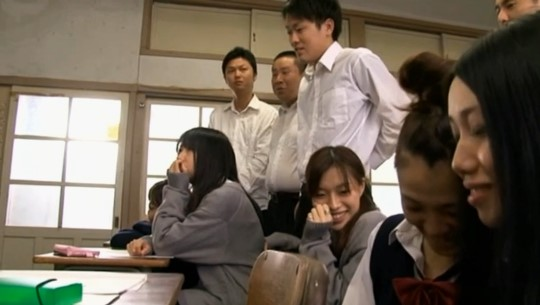 AV女優が女教師になって実践型性教育授業をする【CFNM編】サンプル29