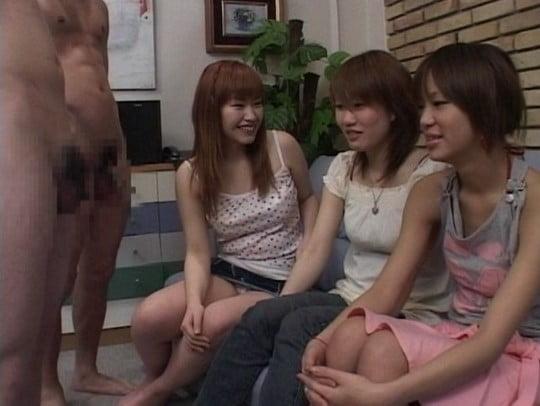 女の前で全裸でいたい!フルチンタイムとチンポを見たがる女たちサンプル63