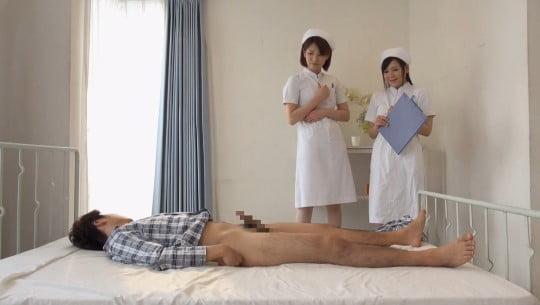 CFNM泌尿器科でナースが精液採取!看護師が見てる前で射精サンプル55