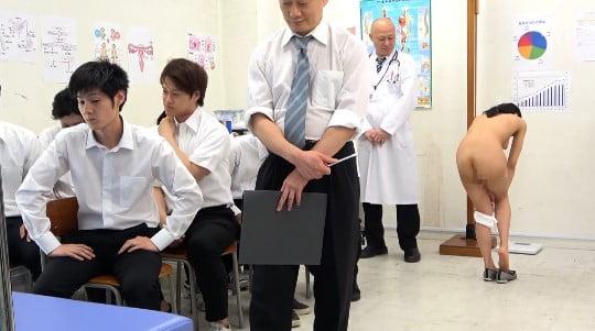 CFNMフルチン男子身体測定に立ち会う女教師!全裸授業4作目サンプル129