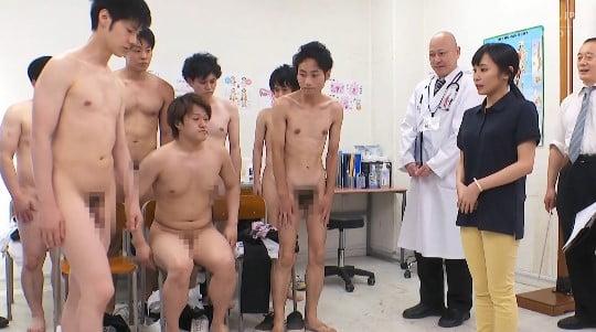 CFNMフルチン男子身体測定に立ち会う女教師!全裸授業4作目サンプル26