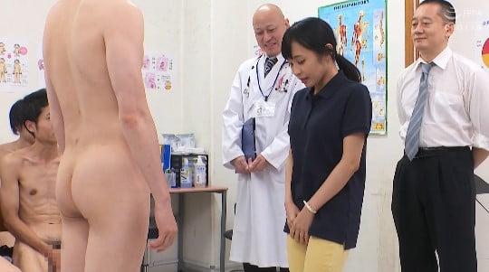 CFNMフルチン男子身体測定に立ち会う女教師!全裸授業4作目サンプル29