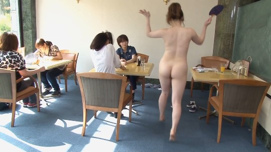 セーラー服少女が公然猥褻ボトムレス&全裸露出で淫語連発発声サンプル96