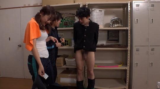 女子が男子にイジメ!拘束フルチン放置プレーを女教師に見られるサンプル115