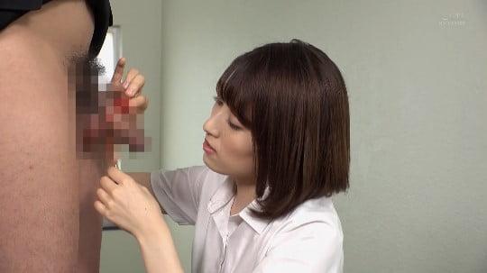 女子が男子にイジメ!拘束フルチン放置プレーを女教師に見られるサンプル52
